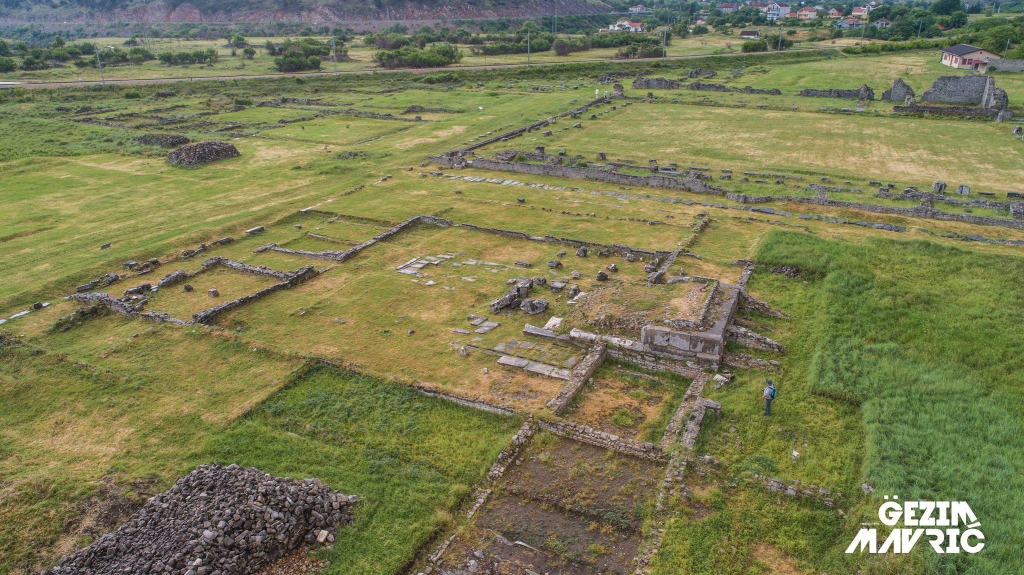 Doclea antike – Dukla. Vendi antik i Dokleatëve ilir. Këtu ka lind Perandori romak Diokleciani i cili sundoi prej vitit 284-305 e.re.