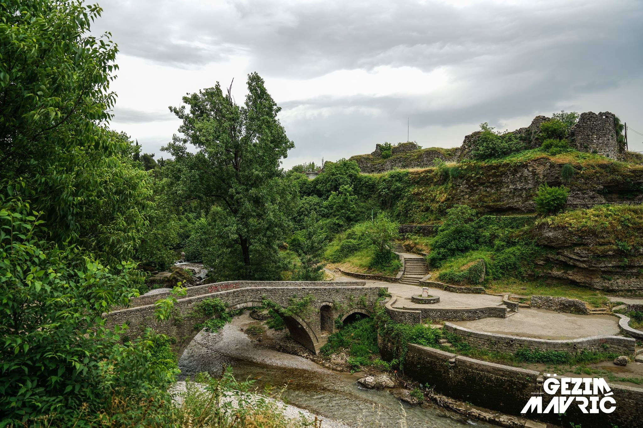 Ura e Ribnicës në Podgoricë. Vendi ku iu ngrit kurtha dhe u vra baca Isë Boletini së bashku me shokët e tij më 23 janar 1916.